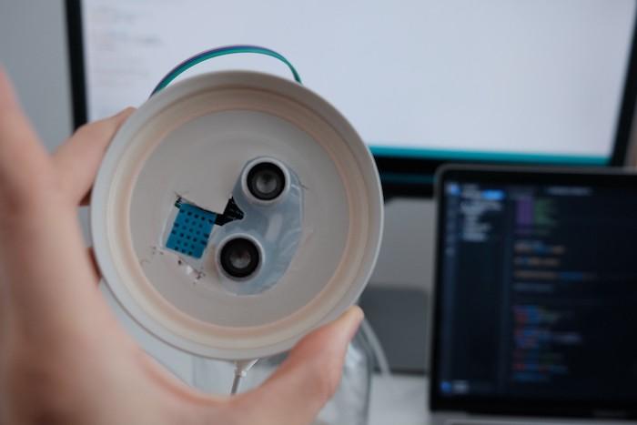 Sensors in the lid